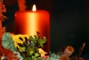 advent-wreath-and-candle---christmas--1435855-s